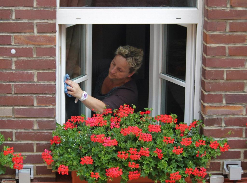 Limpiar ventanas - Administrador de fincas Zaragoza